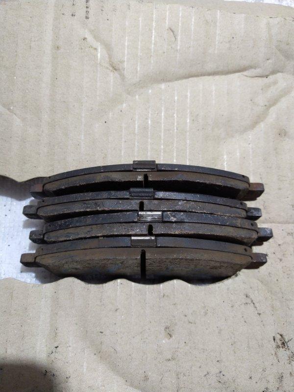 тормозные колодки задние Nissan Tiida C11 б/у комплект