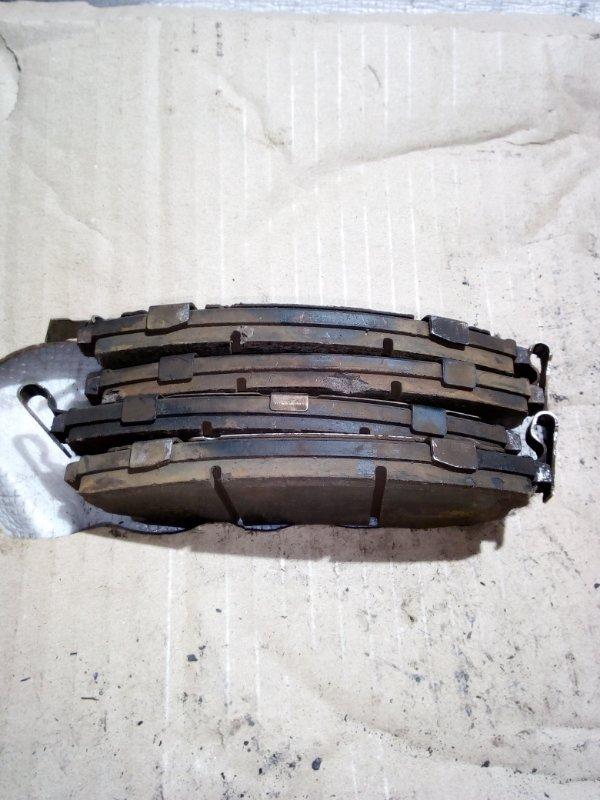 Тормозные колодки Nissan Tino V10 переднее (б/у)