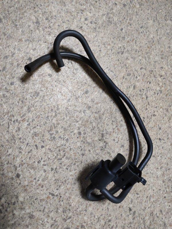 Клапан вакуумный Mazda Premacy CP8W (б/у)