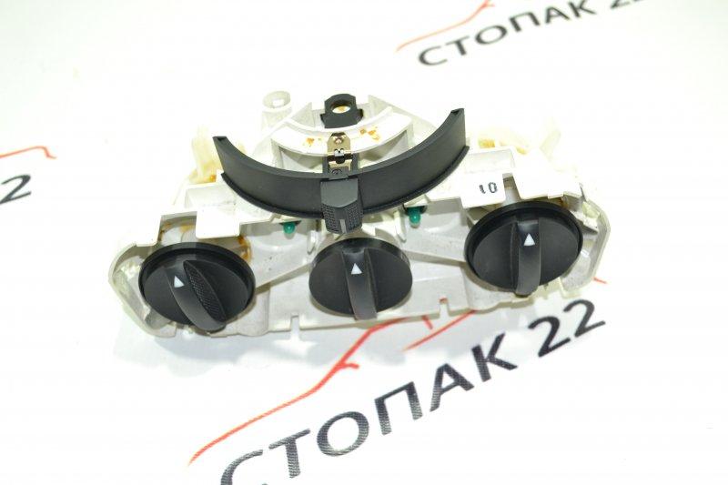 Блок управления печкой Toyota Corolla NZE121 1NZ 2002 (б/у)