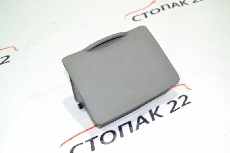 Бардачок водительский Toyota Corolla NZE121 1NZ 2002 (б/у)