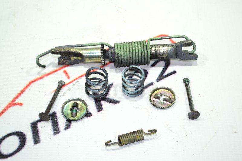 Механизм стояночного тормоза Toyota Corolla NZE121 1NZ 2002 задний правый (б/у)