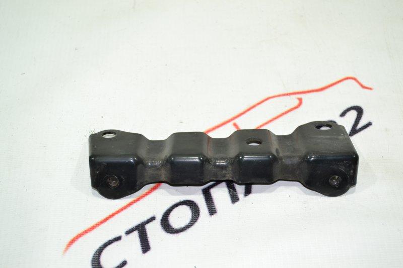 Крепление площадки аккумулятора Toyota Corolla NZE121 1NZ 2002 (б/у)