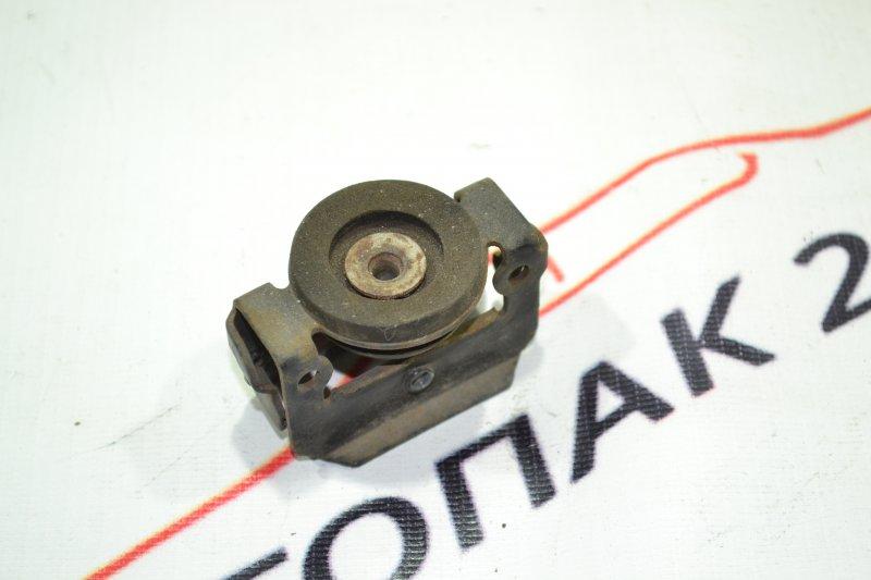 Крепление радиатора кондиционера Toyota Corolla NZE121 1NZ 2002 верхнее (б/у)