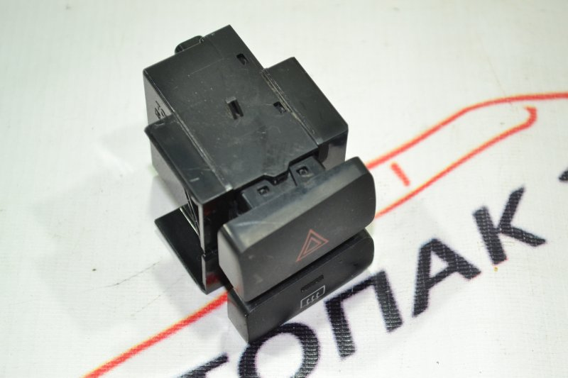 Кнопка аварийки Toyota Corolla NZE121 1NZ 2002 (б/у)