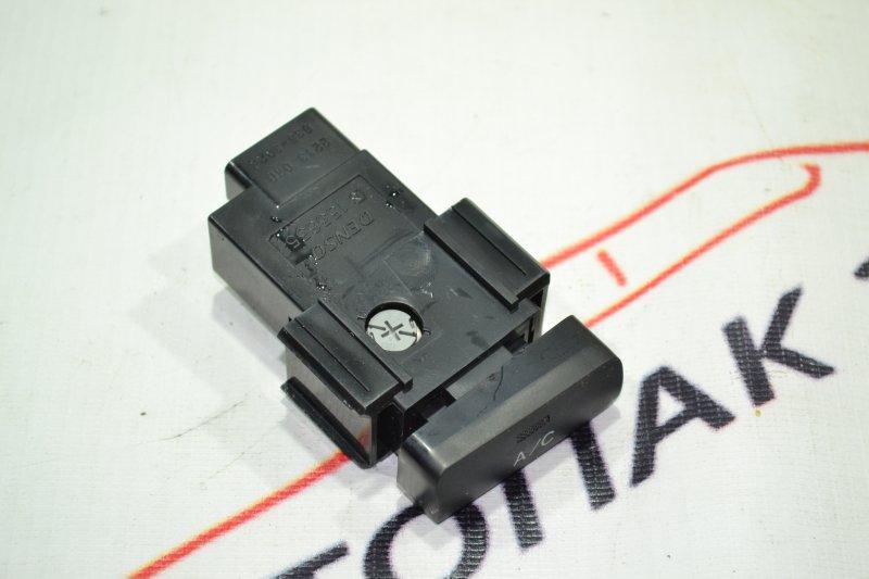 Кнопка включения кондиционера Toyota Corolla NZE121 1NZ 2002 (б/у)