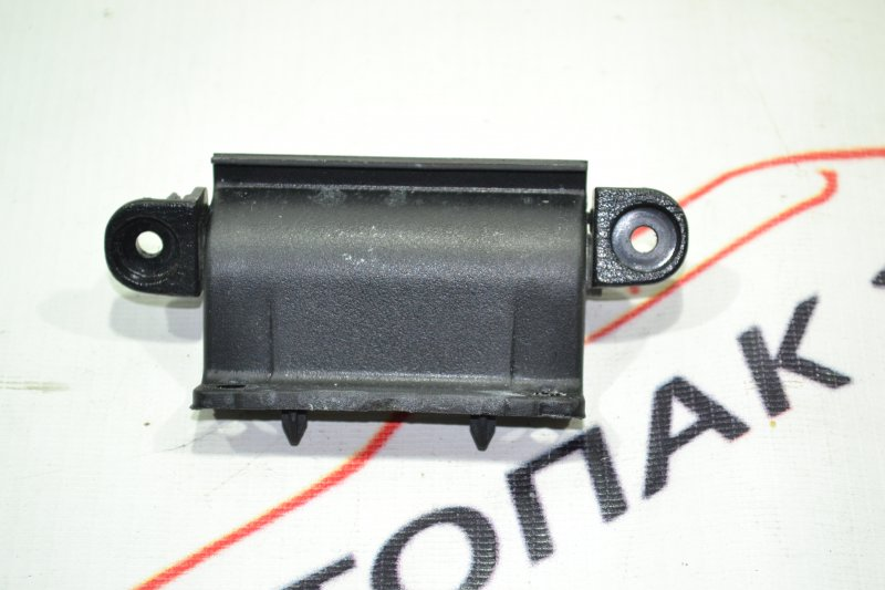 Крепление подкрылка Toyota Corolla NZE121 1NZ 2002 (б/у)