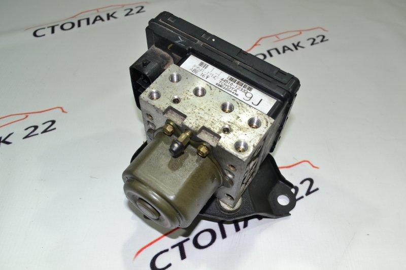 Блок управления abs Toyota Corolla NZE121 1NZ 2002 (б/у)