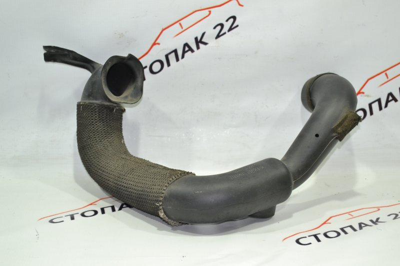 Воздухозаборник Toyota Corolla NZE121 1NZ 2002 (б/у)