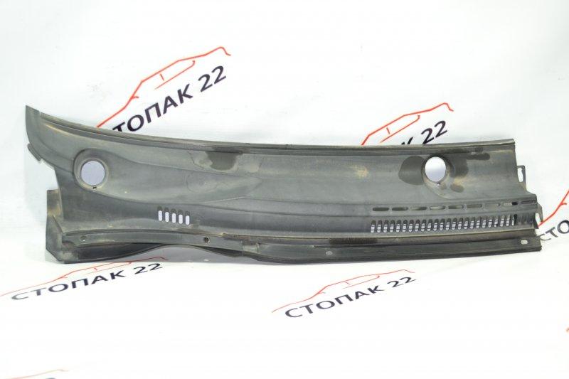 Решетка под дворники Toyota Corolla NZE121 1NZ 2002 правая (б/у)