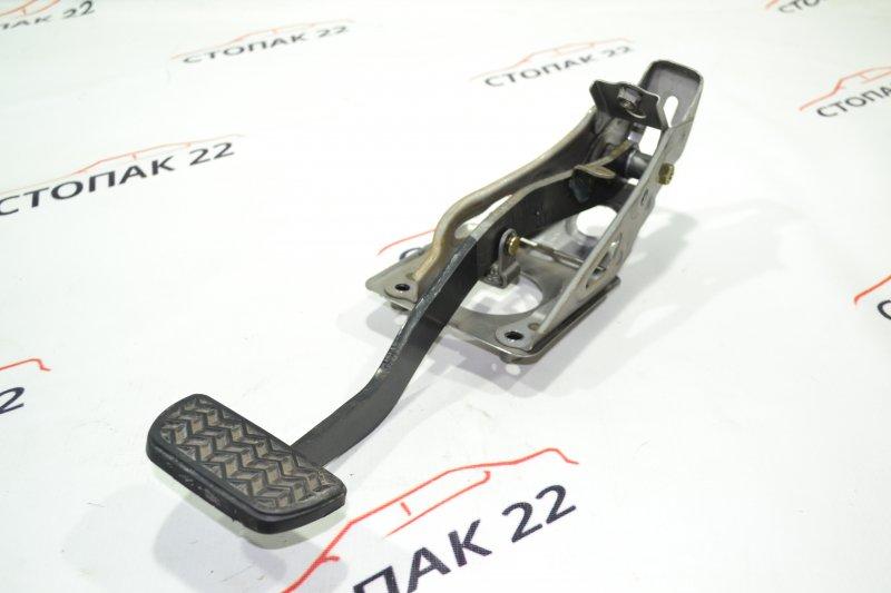 Педаль тормоза Toyota Corolla NZE121 1NZ 2002 (б/у)
