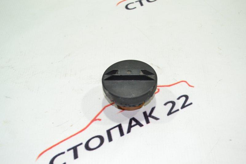 Крышка бензобака Toyota Corolla NZE121 1NZ 2002 (б/у)