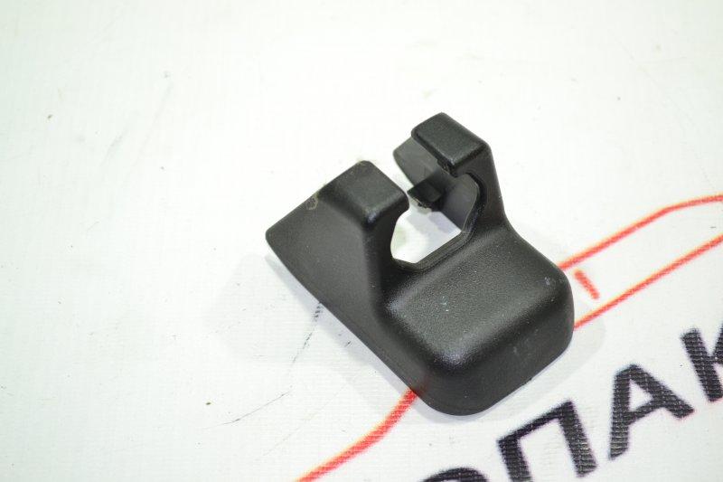 Заглушка на полозья сидений Toyota Corolla NZE121 1NZ 2002 (б/у)