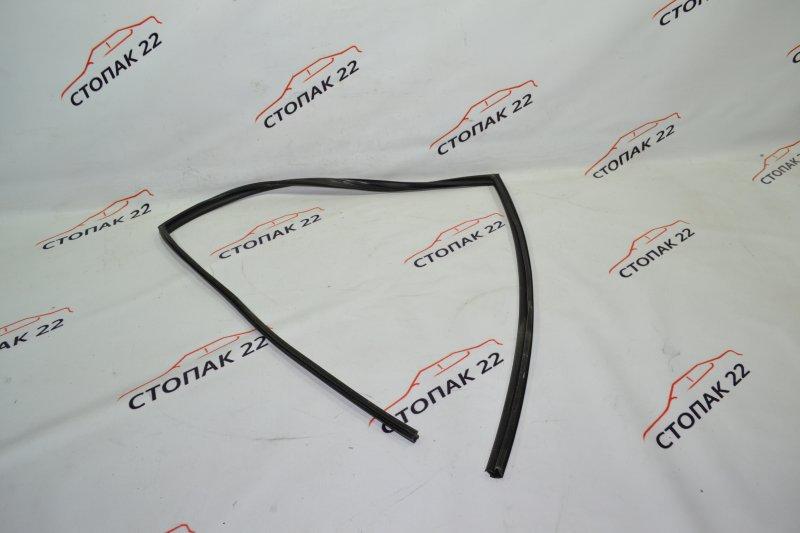 Уплотнитель стекла бокового Toyota Corolla NZE121 1NZ 2002 задний правый (б/у)