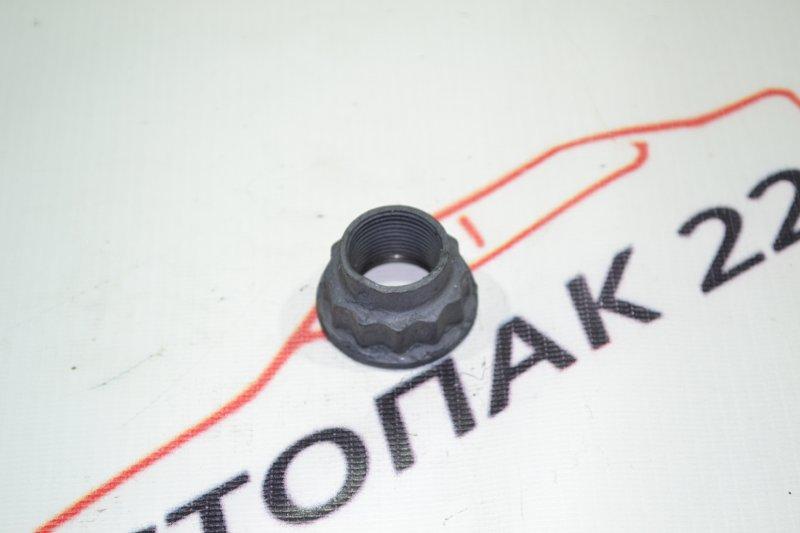 Гайка ступици Toyota Corolla NZE121 1NZ 2002 передняя (б/у)