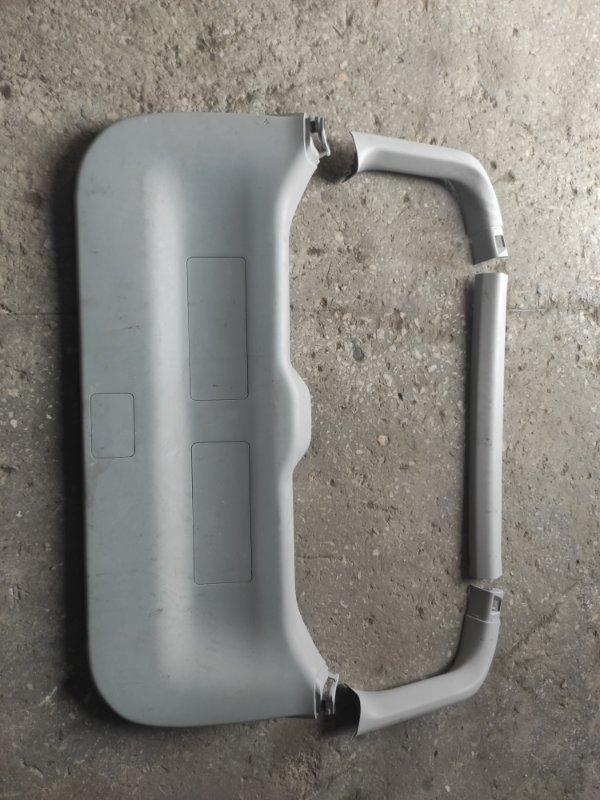 Обшивка двери багажника Toyota Prius ZVW40 2011 (б/у)