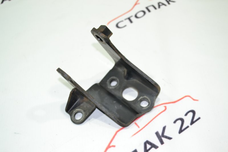 Кронштейн опоры двигателя Toyota Runx NZE121 1NZ 2002 задний (б/у)