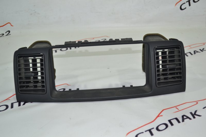 Консоль магнитофона Toyota Runx NZE121 1NZ 2002 (б/у)