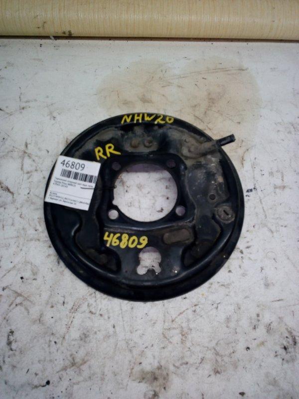 Тормозной опорный щит Toyota Prius NHW20 задний правый (б/у)