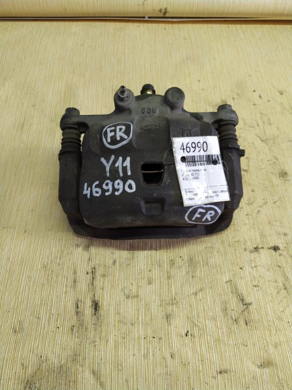 Суппорт Nissan Ad Wagon VY11 передний правый (б/у)