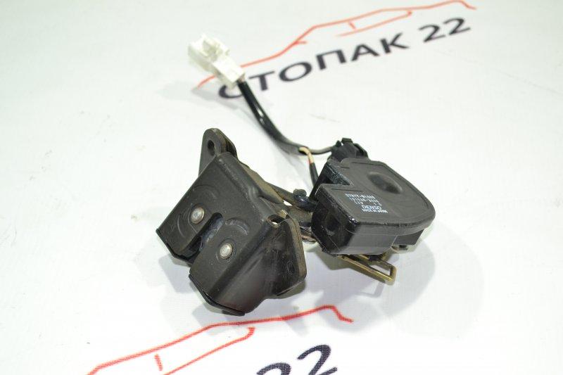 Замок 5-й двери Toyota Runx NZE121 1NZ 2002 (б/у)