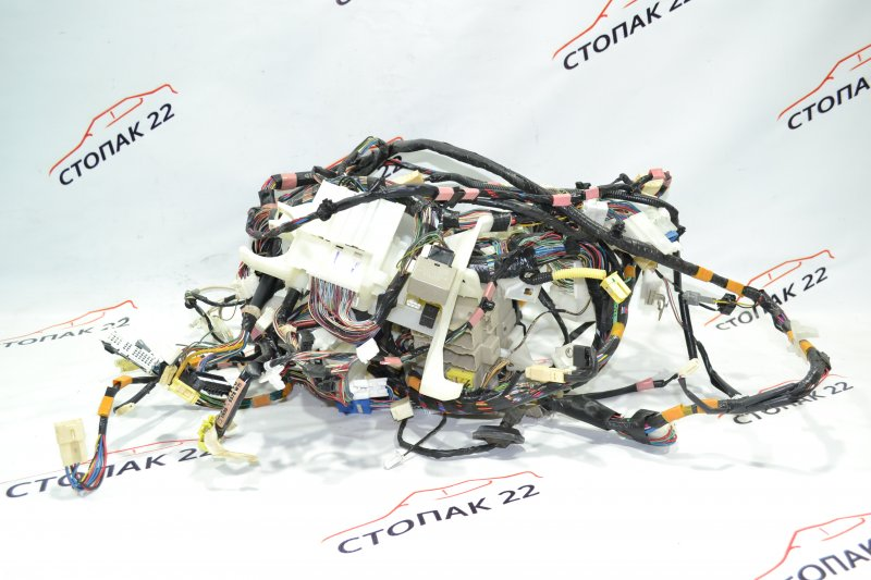 Проводка под торпеду Toyota Runx NZE121 1NZ 2002 (б/у)