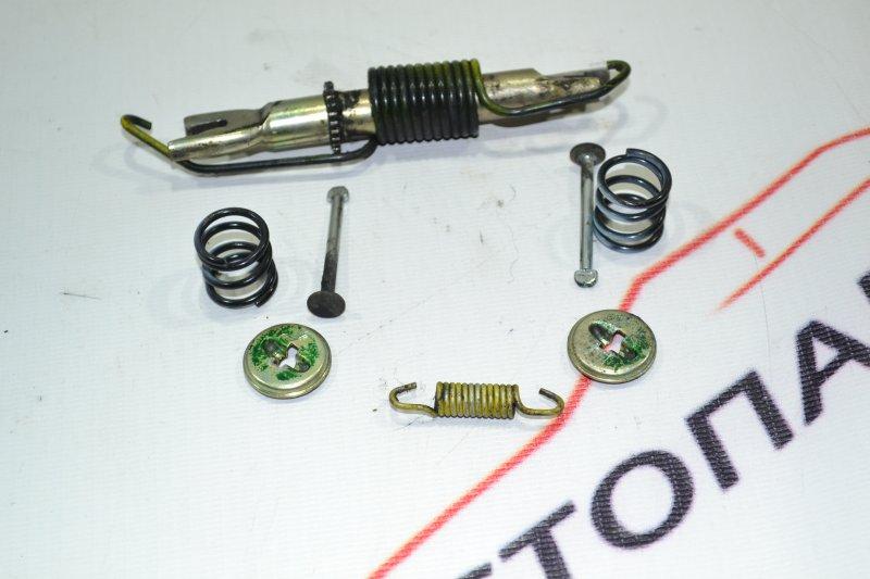 Механизм стояночного тормоза Toyota Runx NZE121 1NZ 2002 задний левый (б/у)