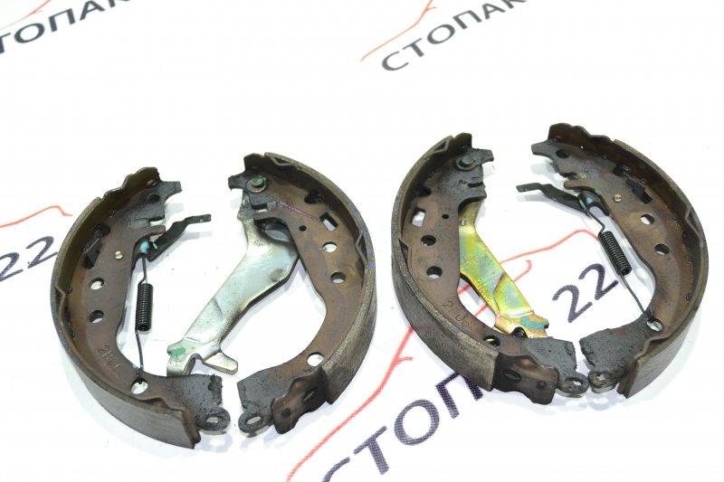 Тормозные колодки Toyota Runx NZE121 1NZ 2002 (б/у)