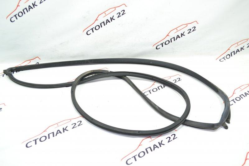 Уплотнительная резинка дверей Toyota Runx NZE121 1NZ 2002 передняя левая (б/у)