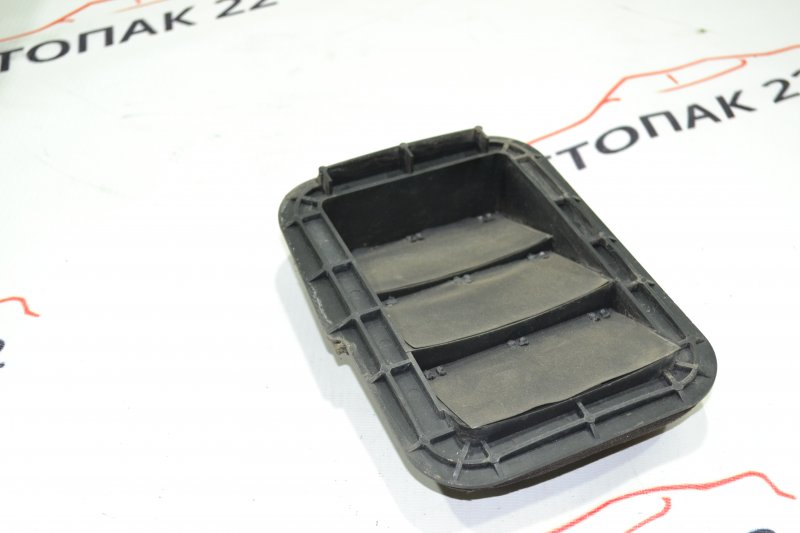Клапан вентиляции багажного отсека Toyota Runx NZE121 1NZ 2002 правый (б/у)