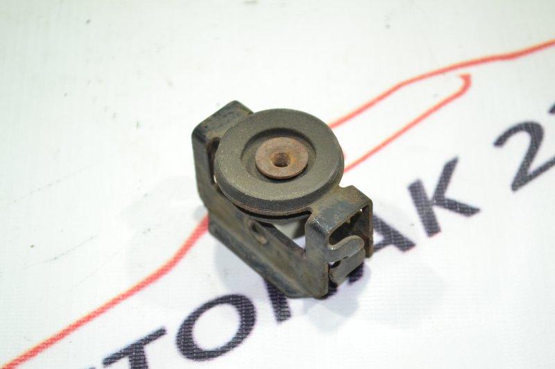 Крепление радиатора кондиционера Toyota Runx NZE121 1NZ 2002 (б/у)