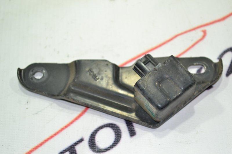 Датчик air bag Toyota Runx NZE121 1NZ 2002 правый (б/у)