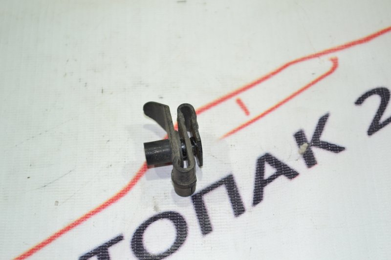 Крепление подкрылка Toyota Runx NZE121 1NZ 2002 (б/у)