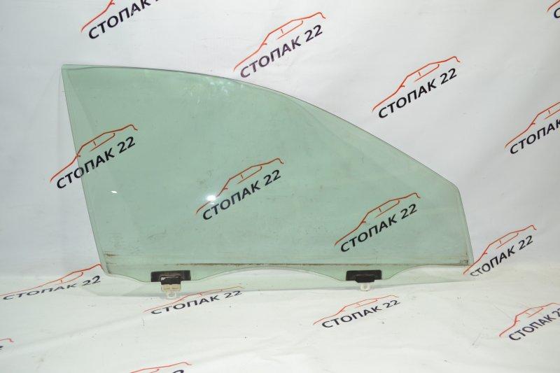 Стекло двери Toyota Runx NZE121 1NZ 2002 переднее правое (б/у)
