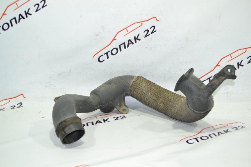 Воздухозаборник Toyota Corolla NZE121 1NZ 2001 (б/у)