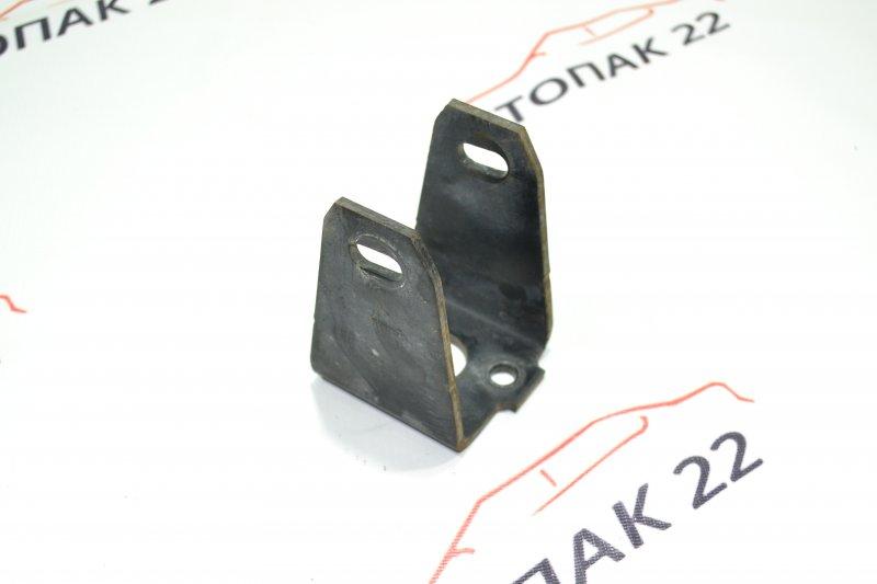 Кронштейн опоры двигателя Toyota Corolla NZE121 1NZ 2001 передний (б/у)