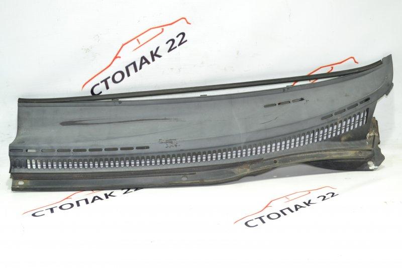 Решетка под дворники Toyota Corolla NZE121 1NZ 2001 левая (б/у)
