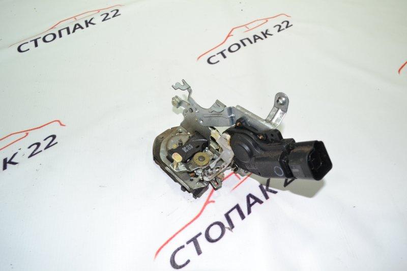 Замок двери Toyota Corolla NZE121 1NZ 2001 задний правый (б/у)