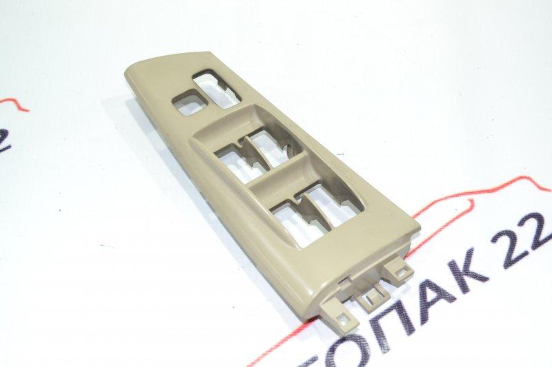 Накладка кнопки стеклоподьёмника Toyota Corolla NZE121 1NZ 2001 передняя правая (б/у)