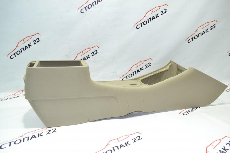 Консоль между сидений Toyota Corolla NZE121 1NZ 2001 (б/у)