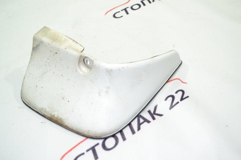 Брызговик Toyota Corolla NZE121 1NZ 2001 задний правый (б/у)