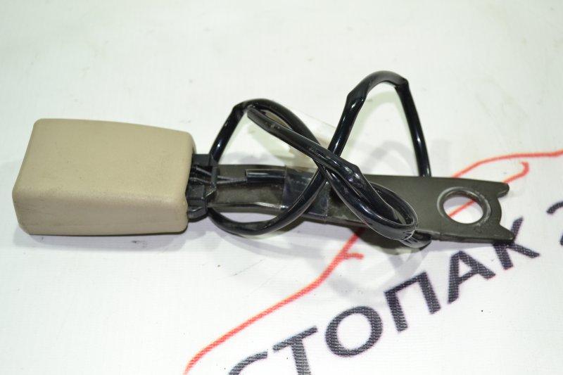 Замок ремня безопасности Toyota Corolla NZE121 1NZ 2001 передний правый (б/у)