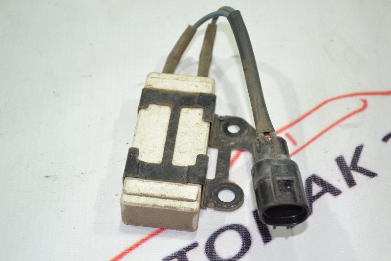 Резистор вентилятора охлаждения Toyota Corolla NZE121 1NZ 2001 (б/у)
