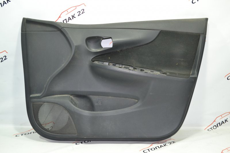 Обшивка двери Toyota Corolla NZE121 1NZ 2001 передняя правая (б/у)