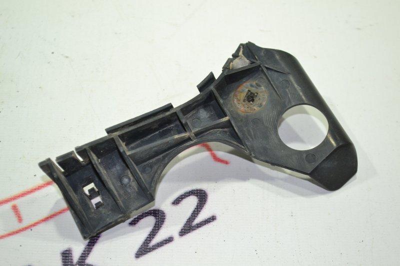 Крепление бампера Toyota Corolla NZE121 1NZ 2002 переднее правое (б/у)