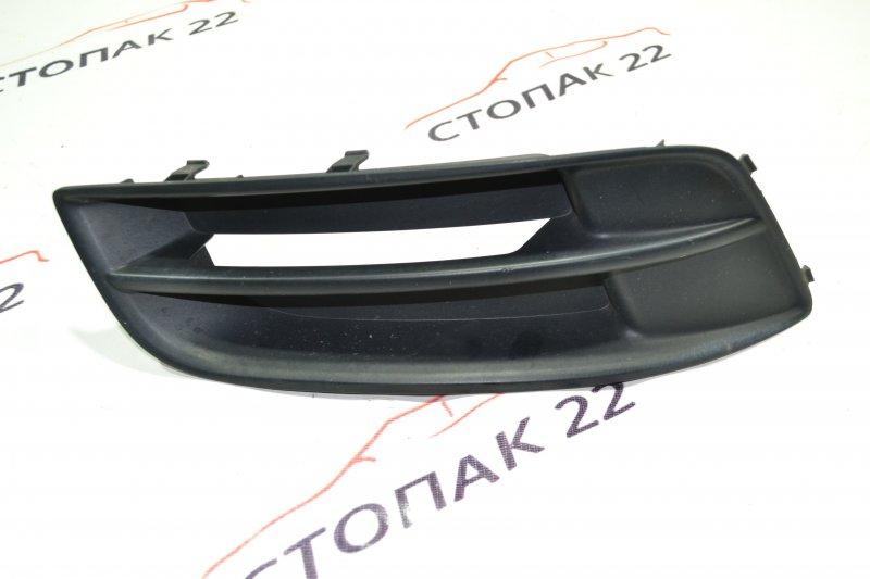 Заглушка бампера Toyota Runx NZE121 1NZ 2004 правая (б/у)