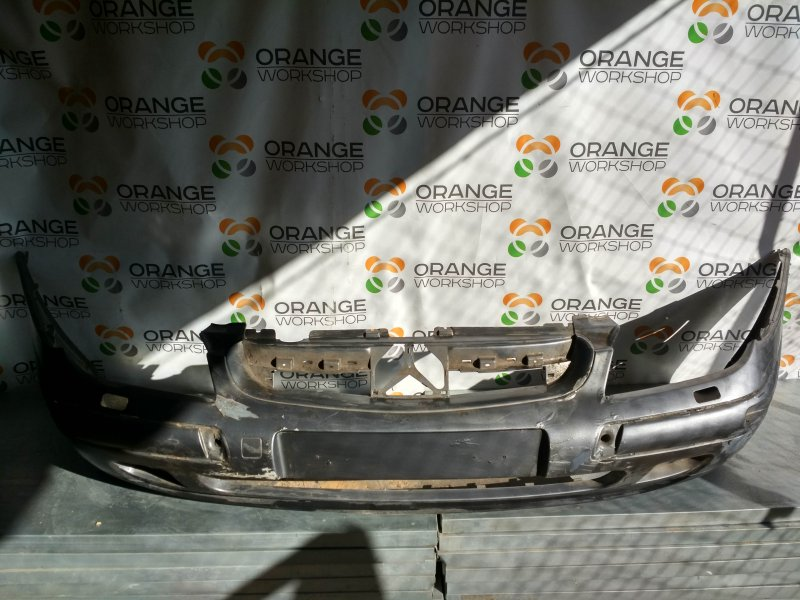 Бампер передний (серый/дефект) под омыватли фар Citroen C5 01- б/у