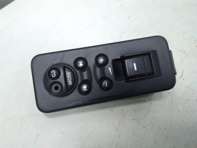 Кнопка стеклоподъемника Land Rover Range Rover Sport 2003 задняя (б/у)