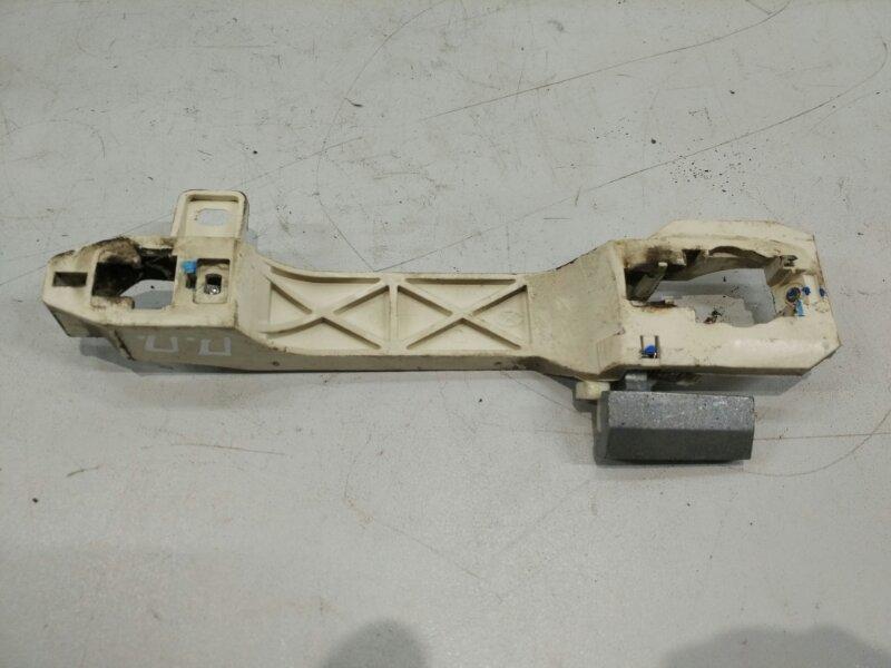 Кронштейн ручки Geely Emgrand 7 2011 передний правый (б/у)