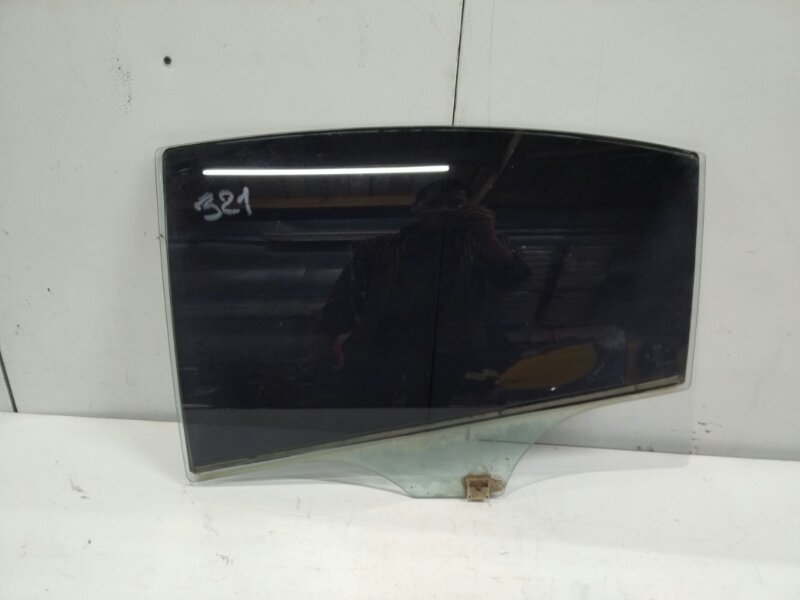 Стекло двери задней левой Mazda 6 GH 2.0 2007 (б/у)